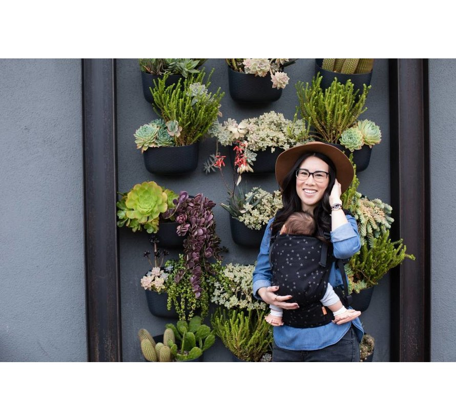 Tula Free to Grow Discover babycarrier.