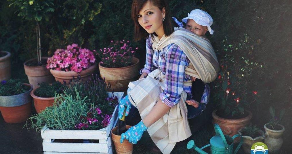 Geweven draagdoek van katoen en bamboe voor een pasgeboren baby