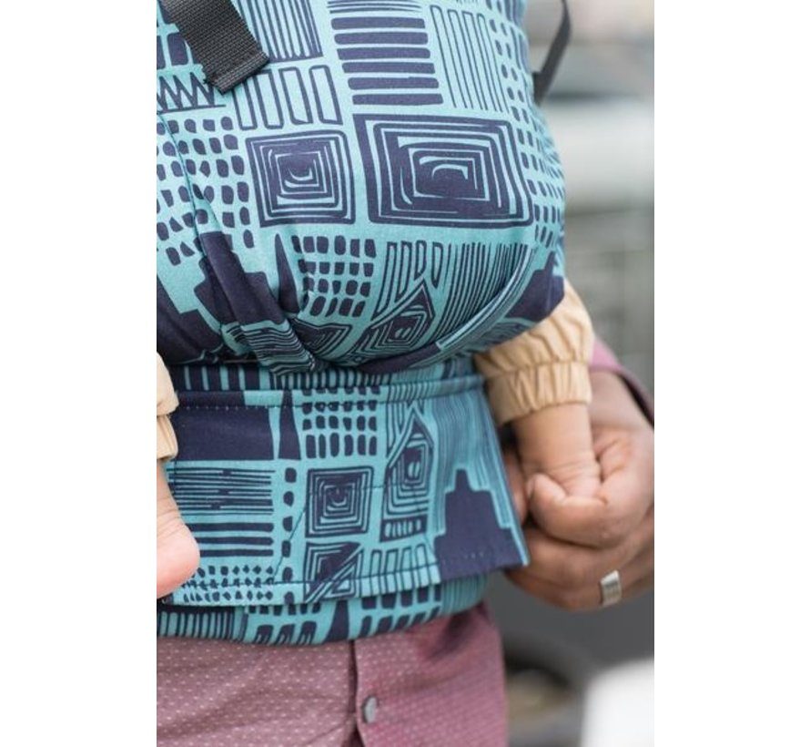Tula Free to Grow Cityscape  babycarrier
