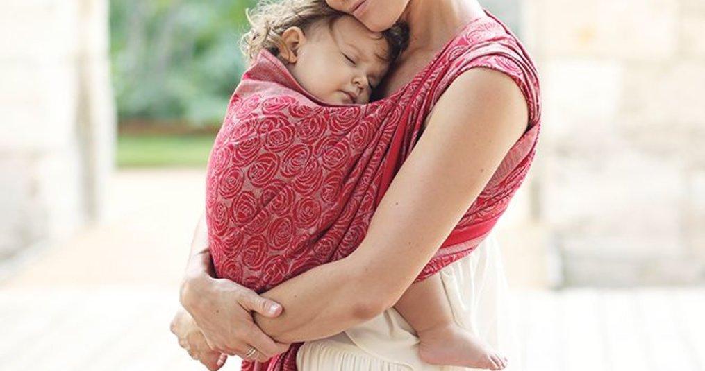 Het dragen van een kindje in een draagdoek, alle algemene informatie.