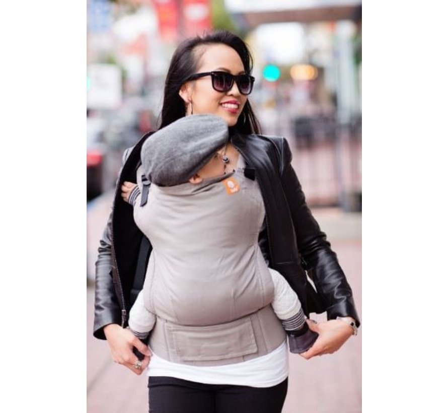 Carrier Tula Cloudy, plain gray baby carrier.