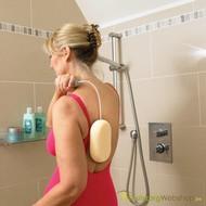Eponge de bain sur manche en métal flexible