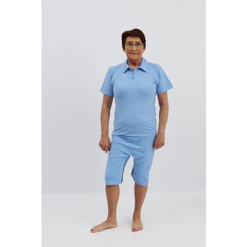 Licht blauwe polo met ritssluiting tussen de benen