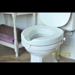 Toilet seat for square toilet