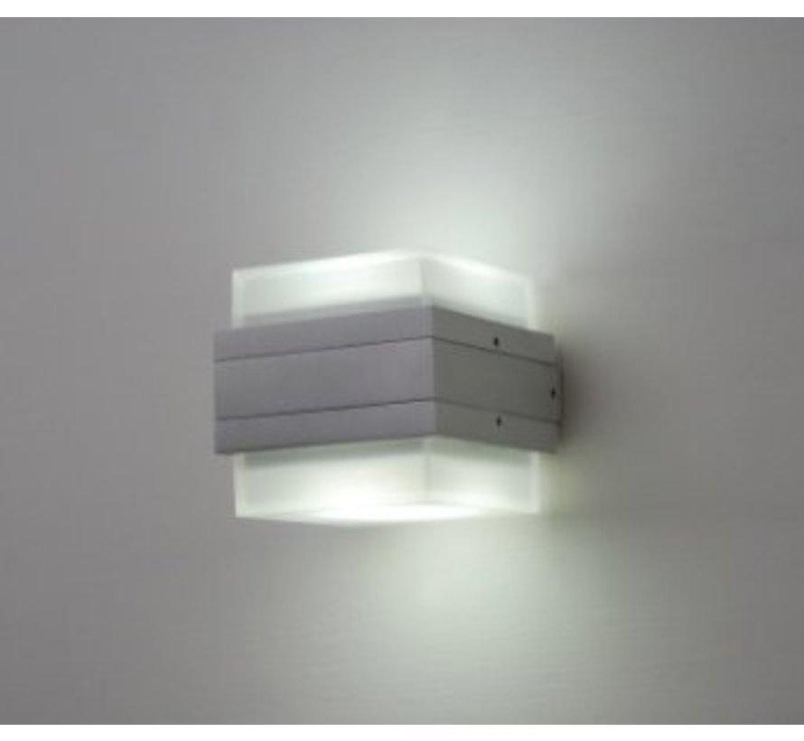 Wandlamp W2 IP54 230v + 2X 5w GX53 2800k LED