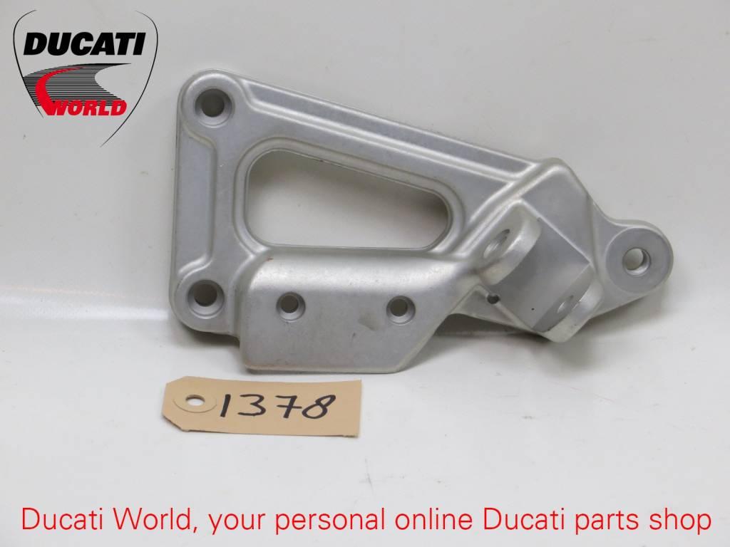 Ducati Ducati RH Footrest Front Plate 900 SS