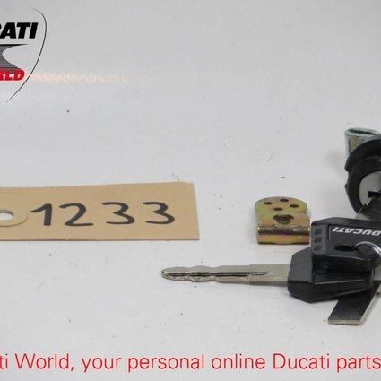 Ducati Ducati Seat Lock SS 900