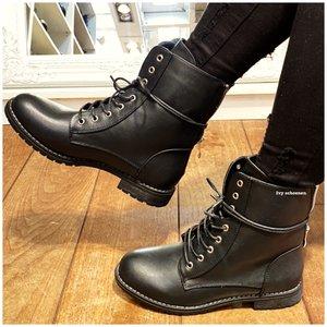 Boots KISS - Zwart