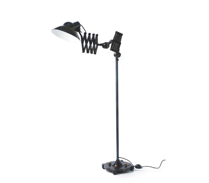 The Mark Floor Lamp