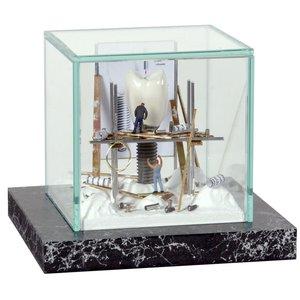 Kunst vitrine supermini 'Implantaat'