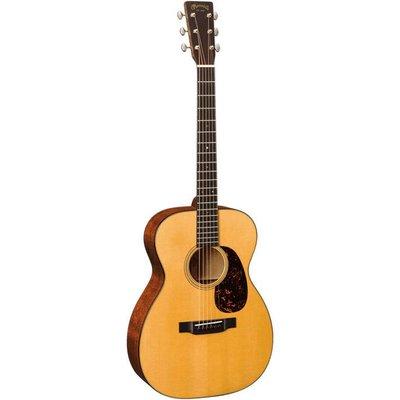 Martin 00-18 Akoestische gitaar Grand Concert Natural +Case