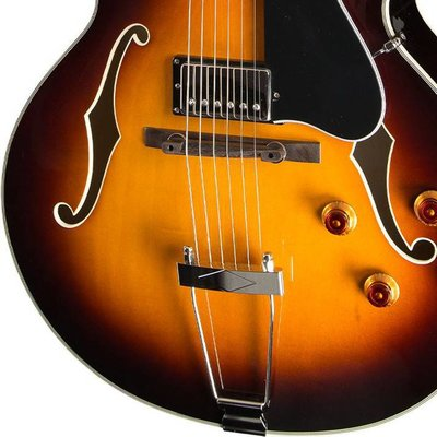 Eastman AR372CE Hollowbody gitaar Sunburst +Case