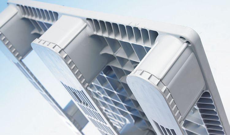 Kunststoff Euro-Palette 1200x800x157mm, 3 Kufen, Geschlossenes Deck