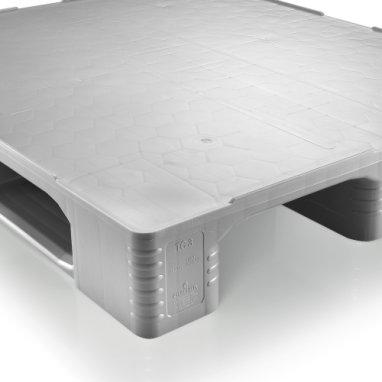 Palette Hygiénique plastique 1200x1000x160 mm, 3 semelles , planché  fermé