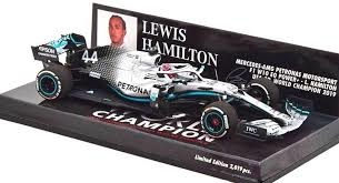Minichamps Mercedes AMG | Lewis Hamilton 1:43 schaalmodel 2019