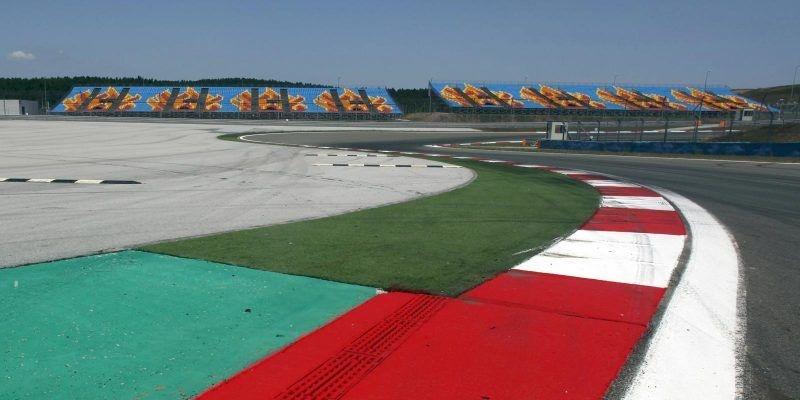 Strijd om kampioenschap F1 beslist: zevende wereldtitel voor Lewis Hamilton
