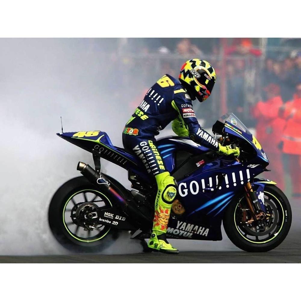 Minichamps Schaalmodel 1:4 Valentino Rossi Yamaha 2004