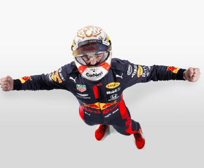 Goud voor Max Verstappen in laatste race seizoen 2020!