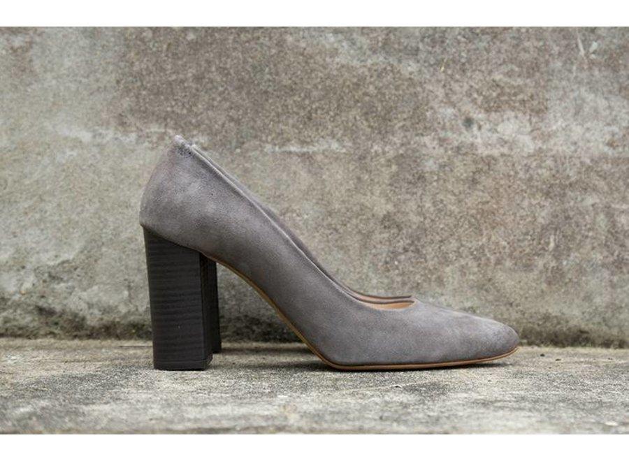 Grey heels Loes