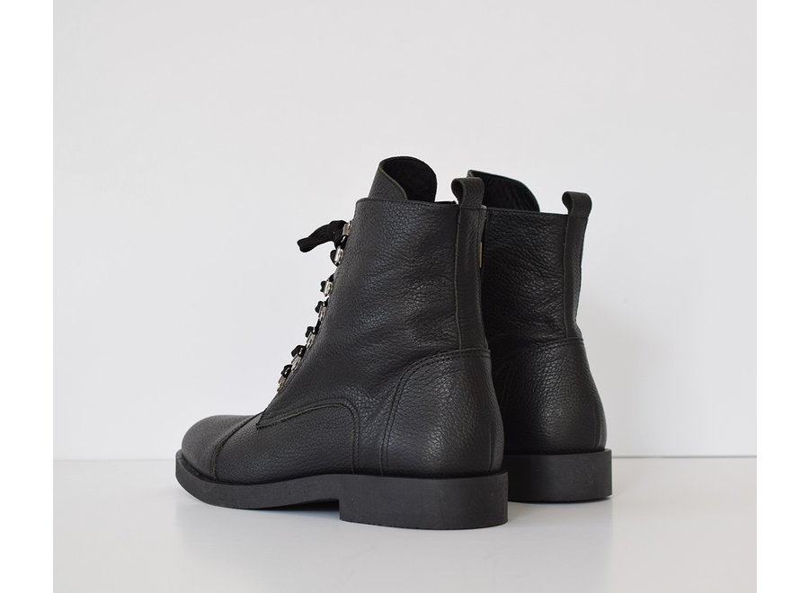 Boot with laces Lieke