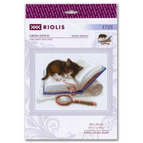 RIOLIS Borduurpakket Kitten on the Book - RIOLIS