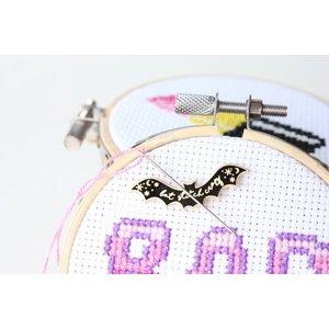 Stitchonomy  Needle Minder - Naaldenmagneet Bat Stitch Crazy - Zilver