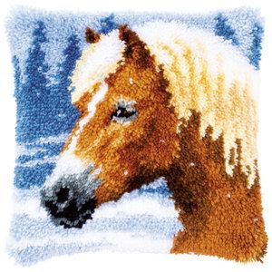 Vervaco Knoopkussen kit Paard in de sneeuw