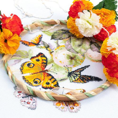 Chudo Igla Borduurpakket Butterflies and Aplles - Chudo Igla
