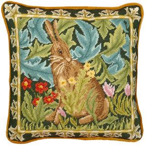 Bothy Threads Borduurpakket William Morris - Woodland Hare Tapestry - Bothy Threads