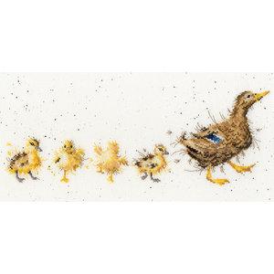 Bothy Threads Borduurpakket Hannah Dale - Mother Duck - Bothy Threads