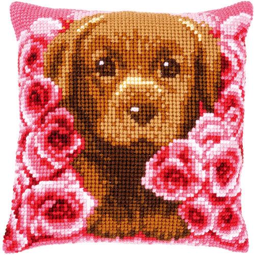 Vervaco Kruissteekkussen kit Puppy tussen rozen