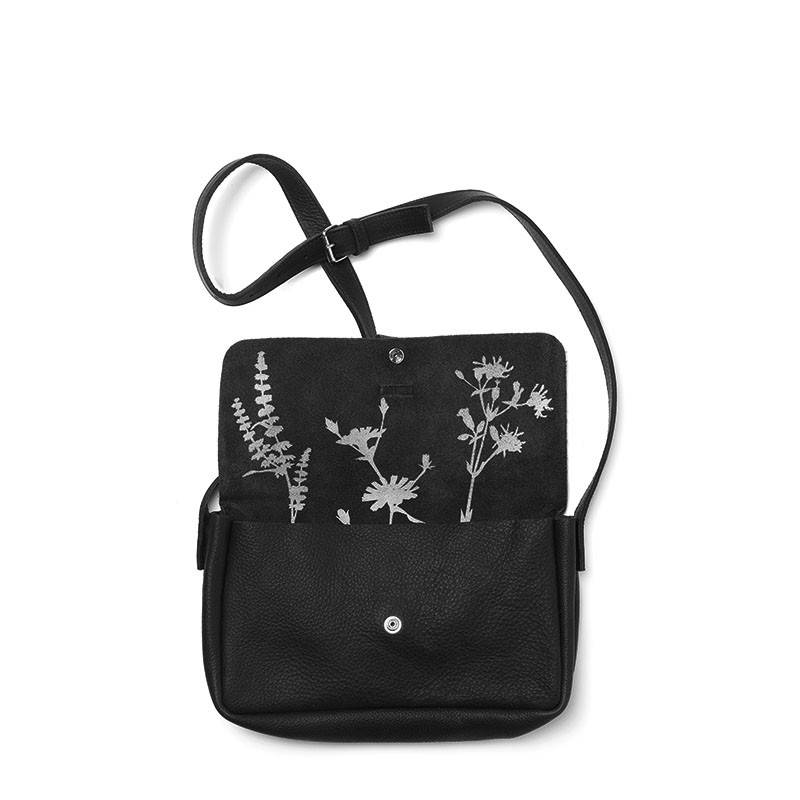 Bag Picking Flowers Black