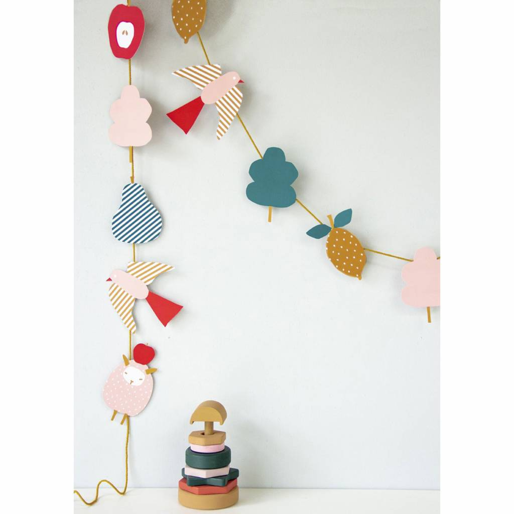 DIY Paper Garland Sheep