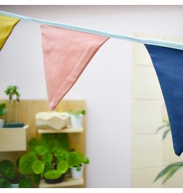 Global Affairs Garland Linen flag line