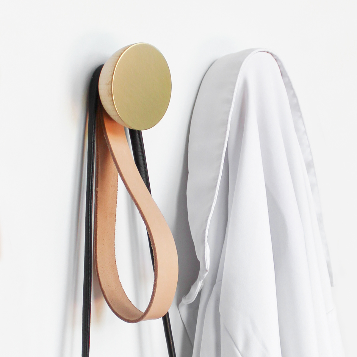 Round beech wood and brass wall hook with leather loop set / 2