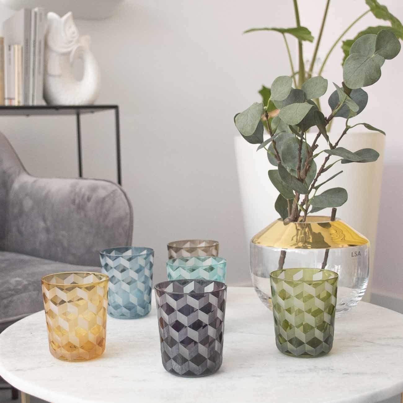 Glasbecher blockiert mehrfarbig