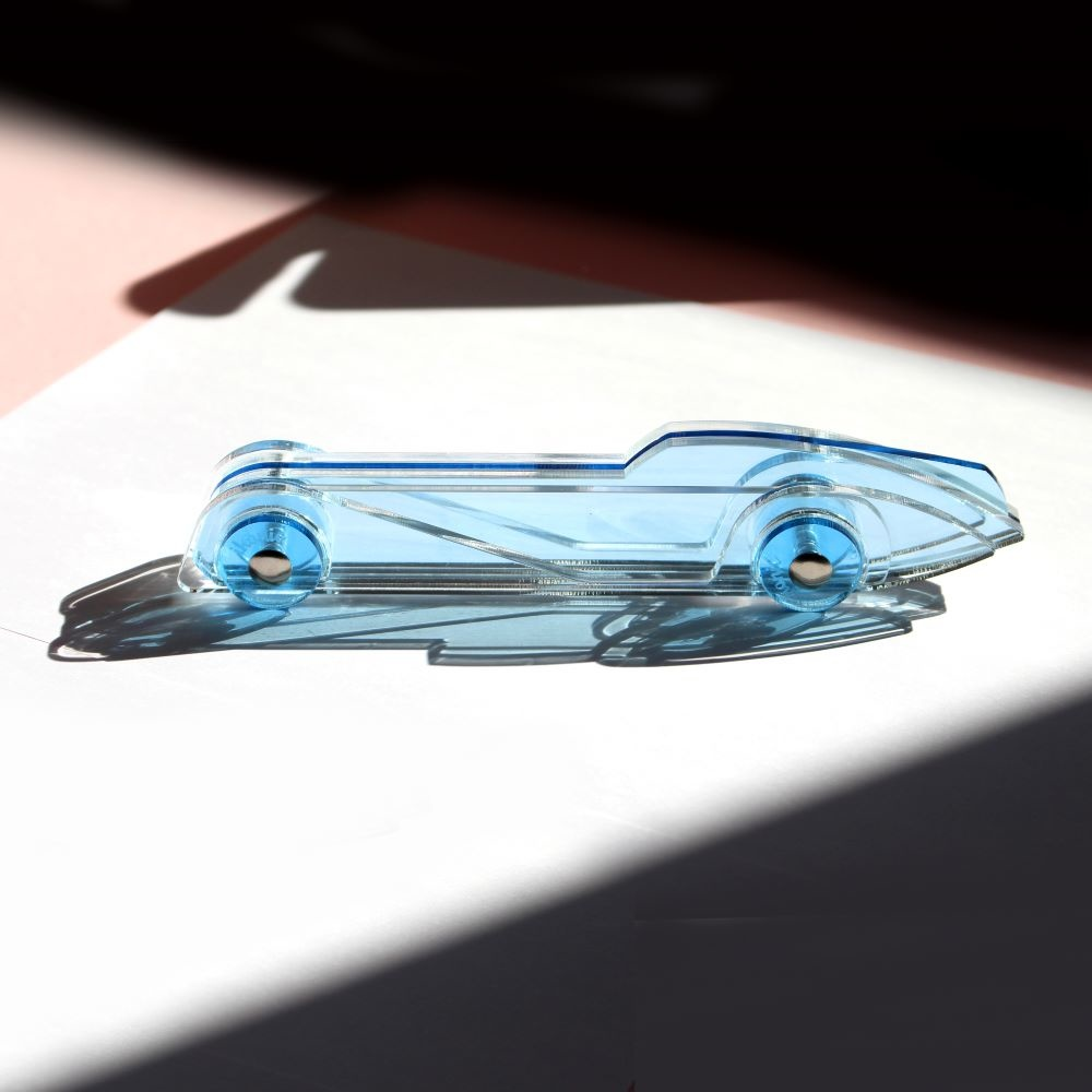 Lucite Car Small No4 Hellblau