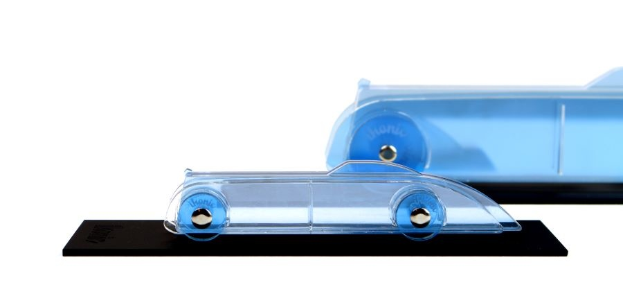 Lucite Car Small No1 Hellblau