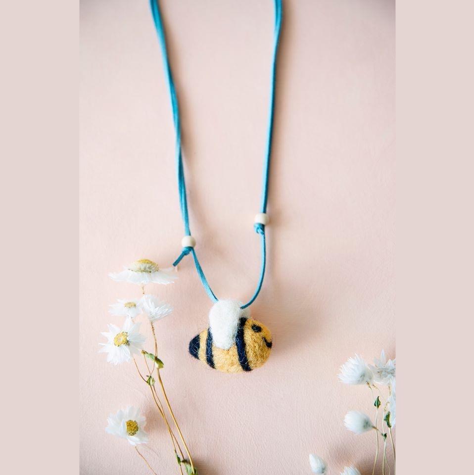Global Affairs necklace Wool felt Bee