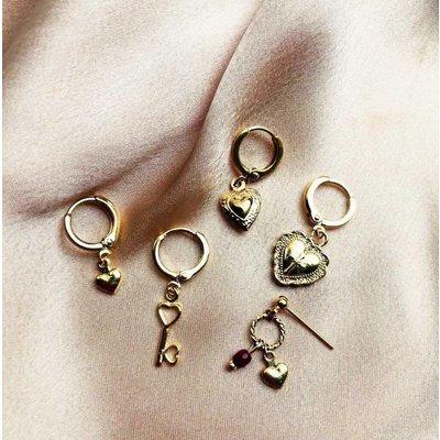 BY NOUCK BY NOUCK Earring | CROSS HEART | GOLD