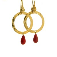 LILLY LILLY Oorbellen | Tumbled Circle Stonedrop Gold | Red | 18 Karaats