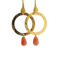 LILLY LILLY Oorbellen | Tumbled Circle Stonedrop Gold | Salmon | 18 Karaats