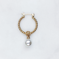 BY NOUCK BY NOUCK Earrings | TWISTED HOOPS WHITE PEARL | GOLD