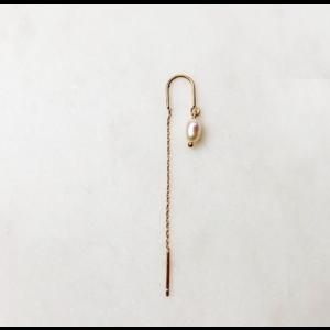 BY NOUCK BY NOUCK Earrings | LONG CHAIN WHITE PEARL | GOLD