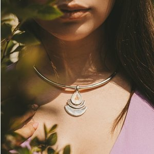 UNOde50 UNOde50  Ketting   MRS BEGUMS   INDIA SS20