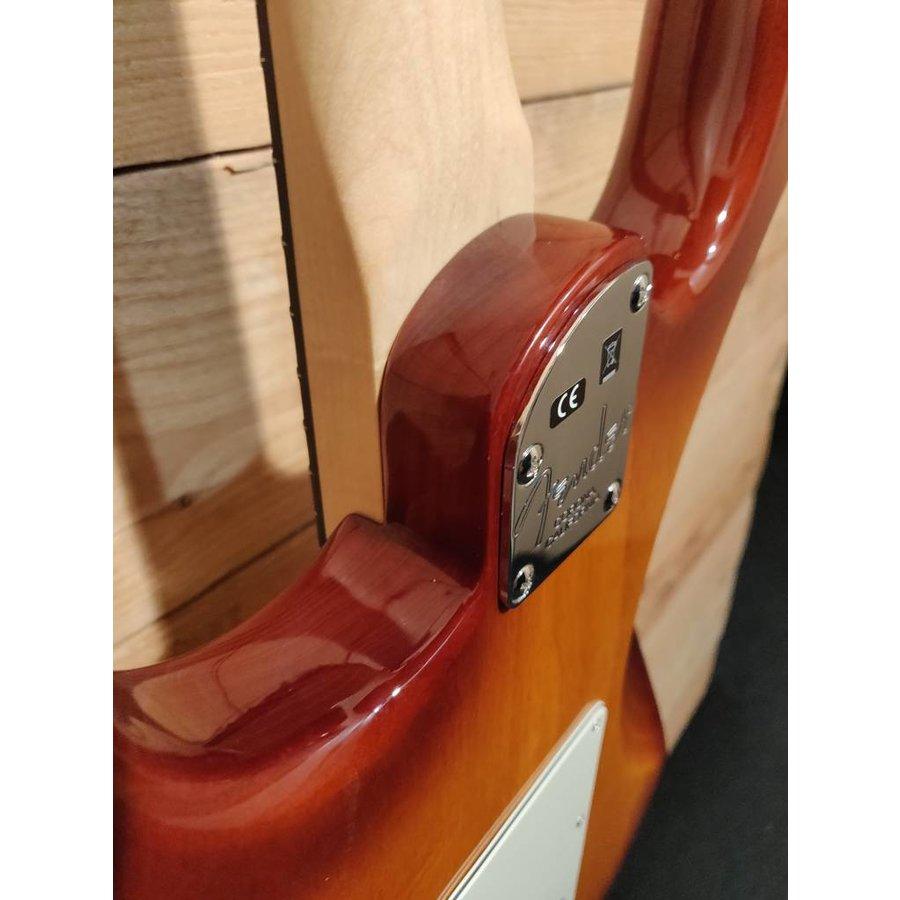 Fender American Elite Stratocaster Tobacco Sunburst ebony fingerboard