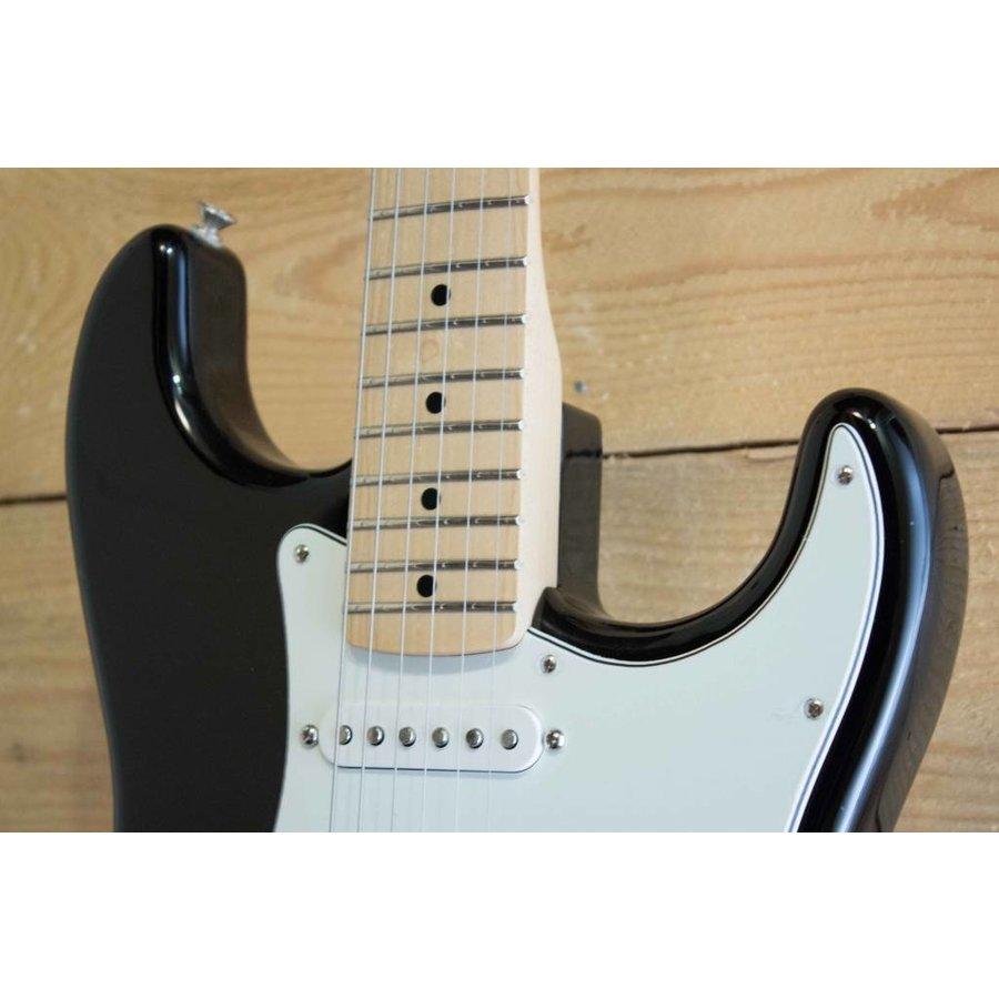 Fender Player Stratocaster BK MN