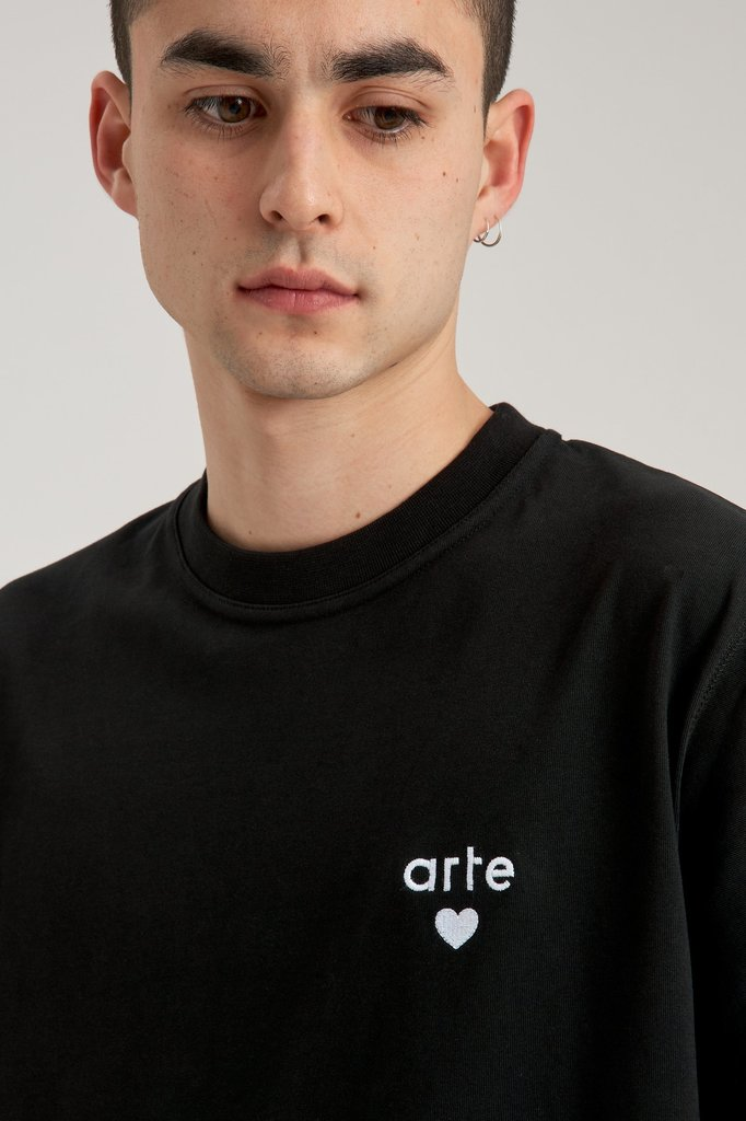 Arte thomas heart tshirt - black