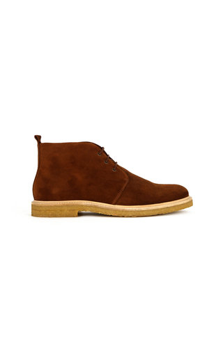 royal republiq cast c . suede chukka shoe - biscotto