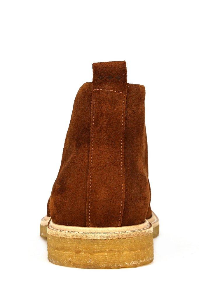 royal republiq cast c . suede chukka shoe - biscotto